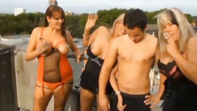 Fitness lez pussylicked y rimmed en porno latino completo trio