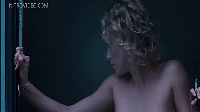 La rubia Elsa videos gays de jovenes latinos Jean se vuelve negra