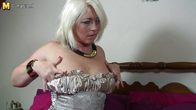 Tetona taxista británica spitroasted en taxi trio ver peliculas porno latino