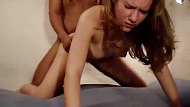 Chicas adolescentes se desnuda y bates en el peliculas porno en español latino gratis baño
