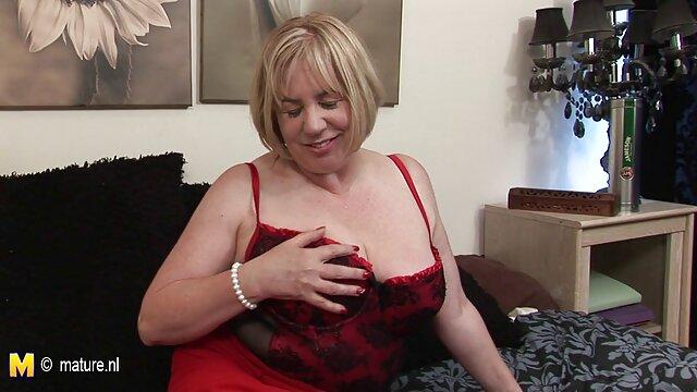 MILF Gonzo Morena tetona Diamond Kitty recibiendo por el culo porno latino full hd