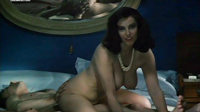 18 Virgin Sex - Tío guapo seduce a su novia caliente porno latino full hd