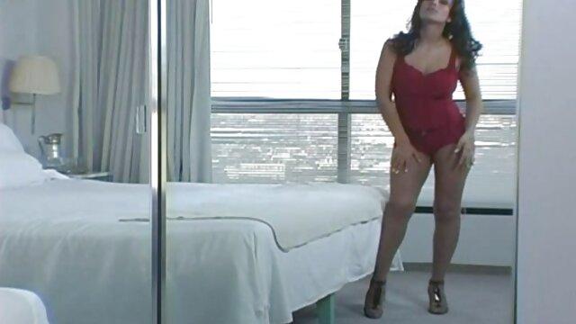 Espiando a las lesbianas sex porn latino bañándose
