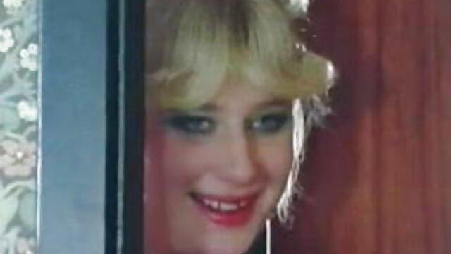 Mira a mi milf real amateur esposas y novias en videos eroticos en español latino video